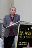 LOS ANGELES - AUG 10:  Neil Diamond at a ceremony bestowing a Star on the Hollywood Walk of Fame to