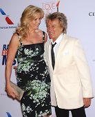 LOS ANGELES - MAY 03:  Rod Stewart & Penny Lancaster arrives to the Race To Erase MS 2013  on May 03, 2013 in Century City, CA