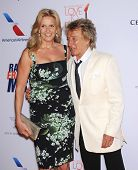 LOS ANGELES - MAY 03:  Rod Stewart & Penny Lancaster arrives to the Race To Erase MS 2013  on May 03