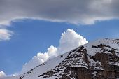 picture of taurus  - Snow rocks and clouds - JPG