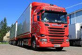 Red Scania Truck R580 Euro 6 V8 At Hema Show 2014