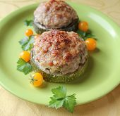 zucchini stuffed with minced meat and rice