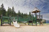 Parque infantil no parque do Lago Merwin