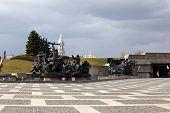 Monument , Kiev