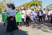 Unidentified Thai People In Parade Anti-corruption Day
