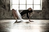 picture of extend  - Young ballet dancer  - JPG