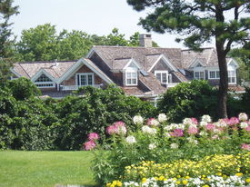 pic of cape-cod  - Charming Cape Cod home and gardens in Hyannis Massachusetts. ** Note: Slight blurriness, best at smaller sizes - JPG