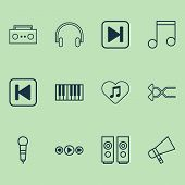 Multimedia Icons Set With Favorite Tune, Shuffle, Song Ui And Other Broadcast Elements. Isolated  Il poster