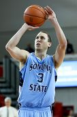 NEW YORK-NOV 3: Sonoma State Seawolves guard Jason Walter shoots a free throw against the St. John's