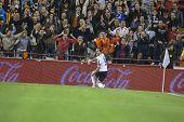 VALENCIA - el 3 de noviembre: Soldado celebrar su gol durante el partido de Copa de España entre el Valencia CF y A