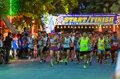 Running Starts In Mini-marathon Race