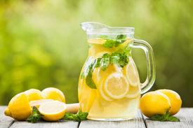 picture of mint-green  - Preparation of the lemonade drink - JPG