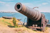 picture of cannon  - Historic cannon at Suomenlinna - JPG
