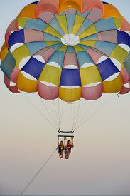 image of parasailing  - parasailing - JPG