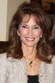 LOS ANGELES - APR 12:  Susan Lucci at the Booksigning for Susan Lucci's book