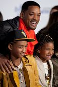 LOS ANGELES, CA - FEB 8: Will, Jaden, & Willow Smith arrive at the Paramount Pictures Justin Bieber:
