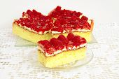 bisquit cake with raspberries and gelly