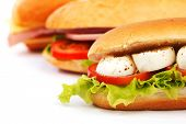 Sandwich con ensalada y Tomate mozzarella