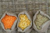 Selection of pulses in jute bags