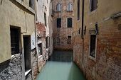 pic of neglect  - Historical old neglected houses in Venice - JPG