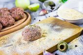 Process Rolling Raw Meatballs Breadcrumbs