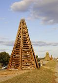 Постер, плакат: bonfire structure