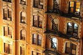 Постер, плакат: Нью Йорк многоквартирного дома крупным планом