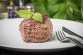 pic of chateaubriand  - Close up of a gourmet dinner plate with beef steak - JPG