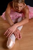 Blond Ballet Stretch