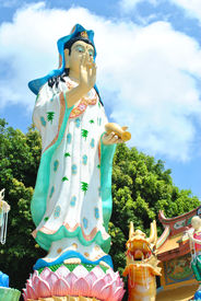 picture of obeah  - Granite chinese statue is very clean and beautiful - JPG
