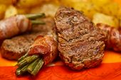 Grilled beef with string beans and potatoes