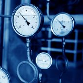Pressure Gauges And Valves