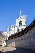 foto of trinity  - Pskov Kremlin Trinity Cathedral and belfry Russia - JPG