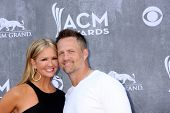 LAS VEGAS - APR 6:  Nancy O'Dell, husband at the 2014 Academy of Country Music Awards - Arrivals at MGM Grand Garden Arena on April 6, 2014 in Las Vegas, NV