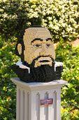Legoland  Luciano Pavarotti