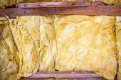 pic of insulator  - Thermal insulation material  - JPG