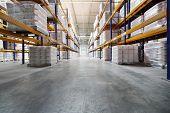 Moskau - Juni 5: Warehouse von Caparol Fabrik am 5. Juni 2012 in Moskau, Russland. Gründer Caparol, E