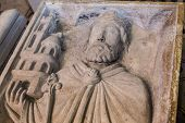 statue of  king Childebert,  in basilica of saint-denis,