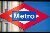 Metro Madrid Sign Structure