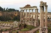 Oude ruïnes van het Romeinse Forum (foro Romano) In Rome