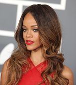 LOS ANGELES - 10 februari: Rihanna komt tot de Grammy Awards 2013 op 10 februari 2013 in Los Angele