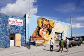Artists painting at Wynwood