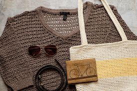 foto of sling bag  - Outfit of casual woman - JPG