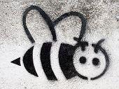 Grafitti Stencil Black Bee