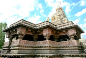 picture of lingam  - Shiva temple with holy lingam - JPG