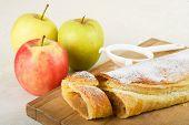 Apfelkuchen / Apfelstrudel