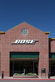 Bose Store Exterior