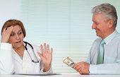 Honesto, médico e seu paciente