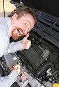 La varilla de nivel de aceite motor control