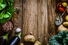 pic of wood  - Vegetables on wood - JPG